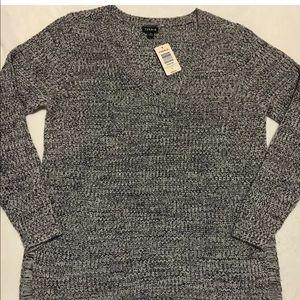 NWT Torrid V-Neck Knit Sweater Sz 0.